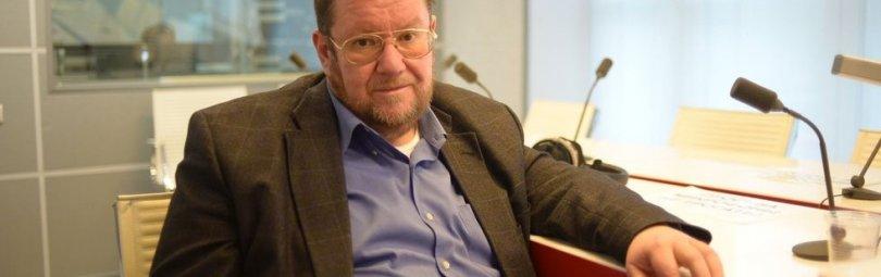 Евгений Сатановский в кресле