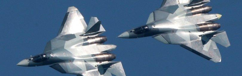 Су-57 выполняют воздушные маневры
