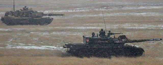 Румынские TR-85M1 на полигоне