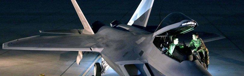 Пилоты у F-22